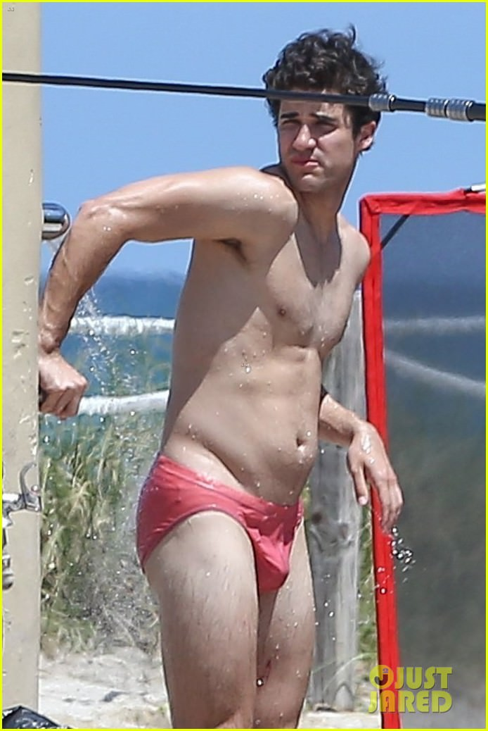 darren-criss-showers-in-a-speedo-on-set-for-versace-02