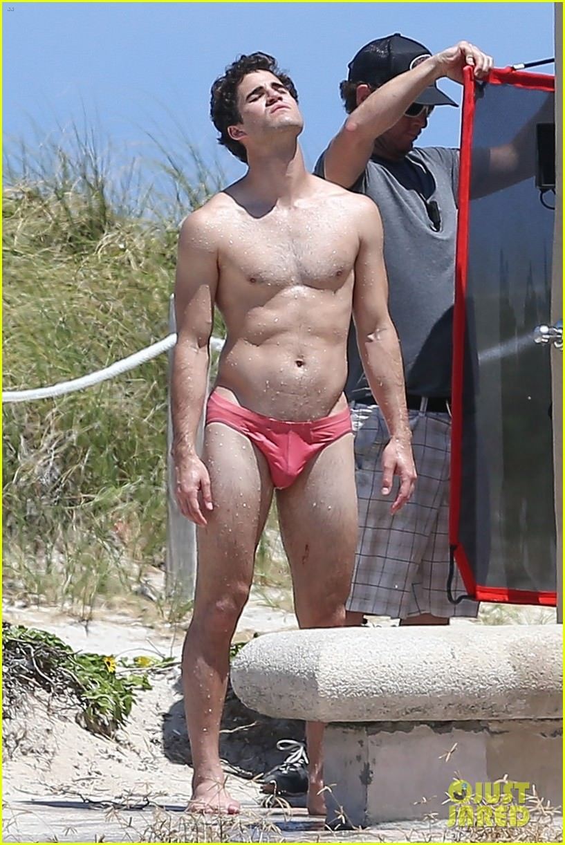 darren-criss-showers-in-a-speedo-on-set-for-versace-05