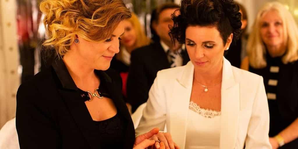 Primer Matrimonio Gay Catolico : El primer matrimonio igualitario de bulgaria es de una chilena